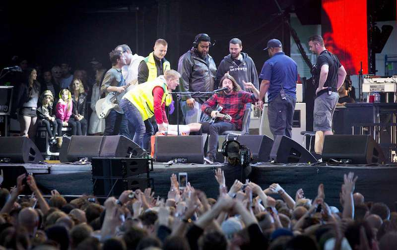 grohl foot 3 Dave Grohl reunites with the Swedish medic who wrapped his broken leg
