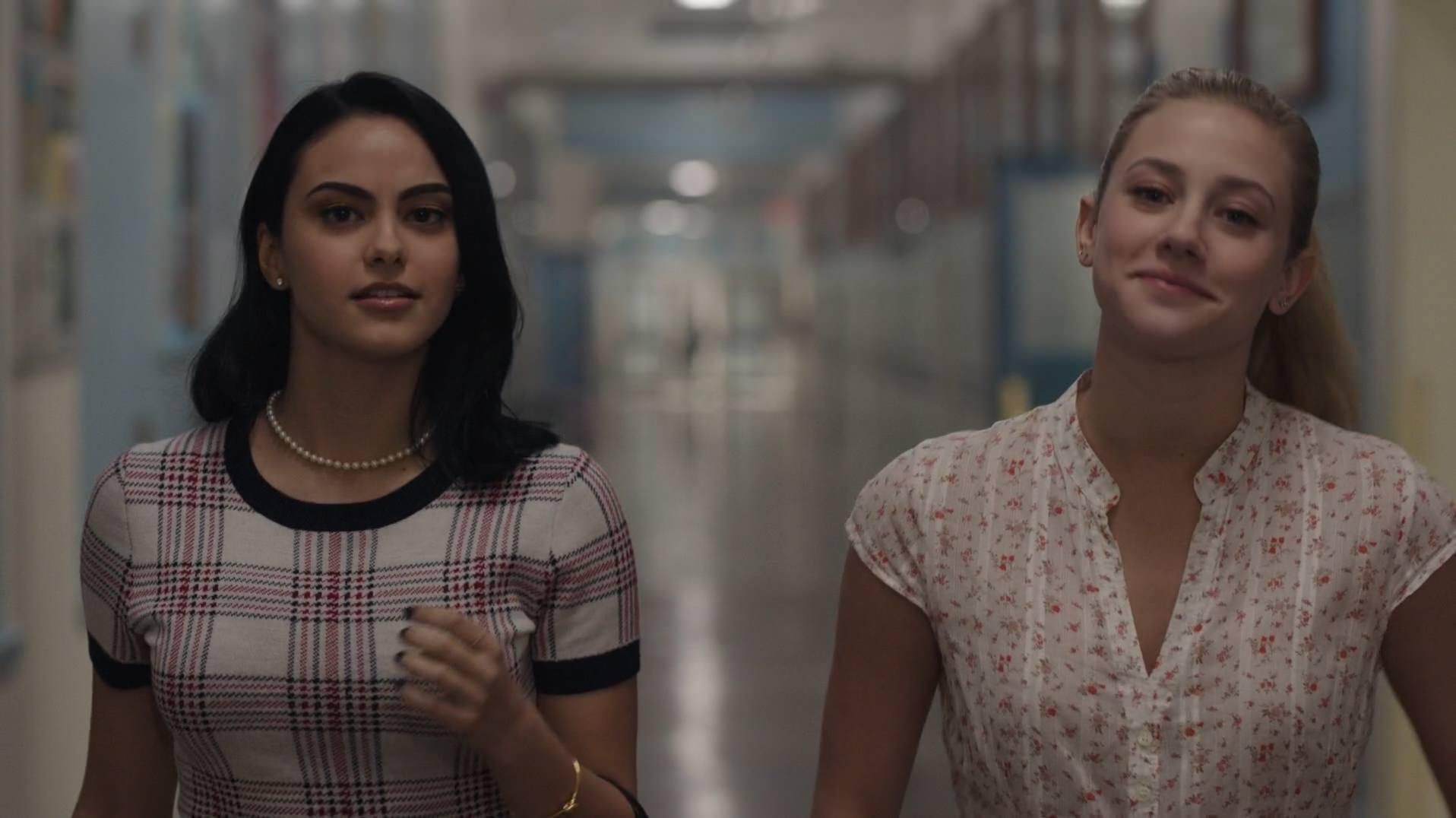 season 1 episode 1 the rivers edge betty veronica 1 Why Its The Women Who Rule Riverdale In The CWs Archie Comics Series
