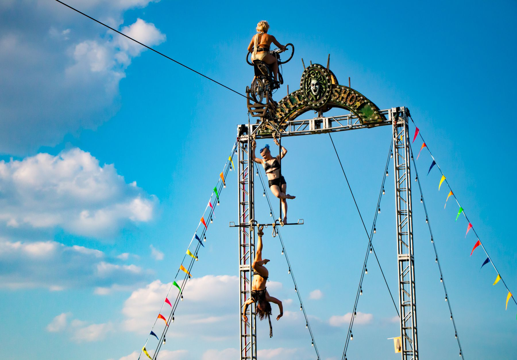 trapeze biker ladies 05 lior phillips Riot Fest 2017 Festival Review: From Worst to Best